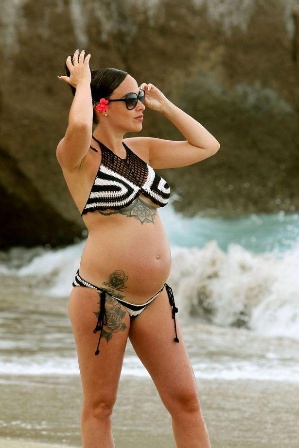 Heavily pregnant Stephanie Davis shows off her baby bump