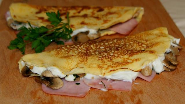http://www.annarecetasfaciles.com/2015/11/crepes-de-jamon-queso-y-champinones-light.html