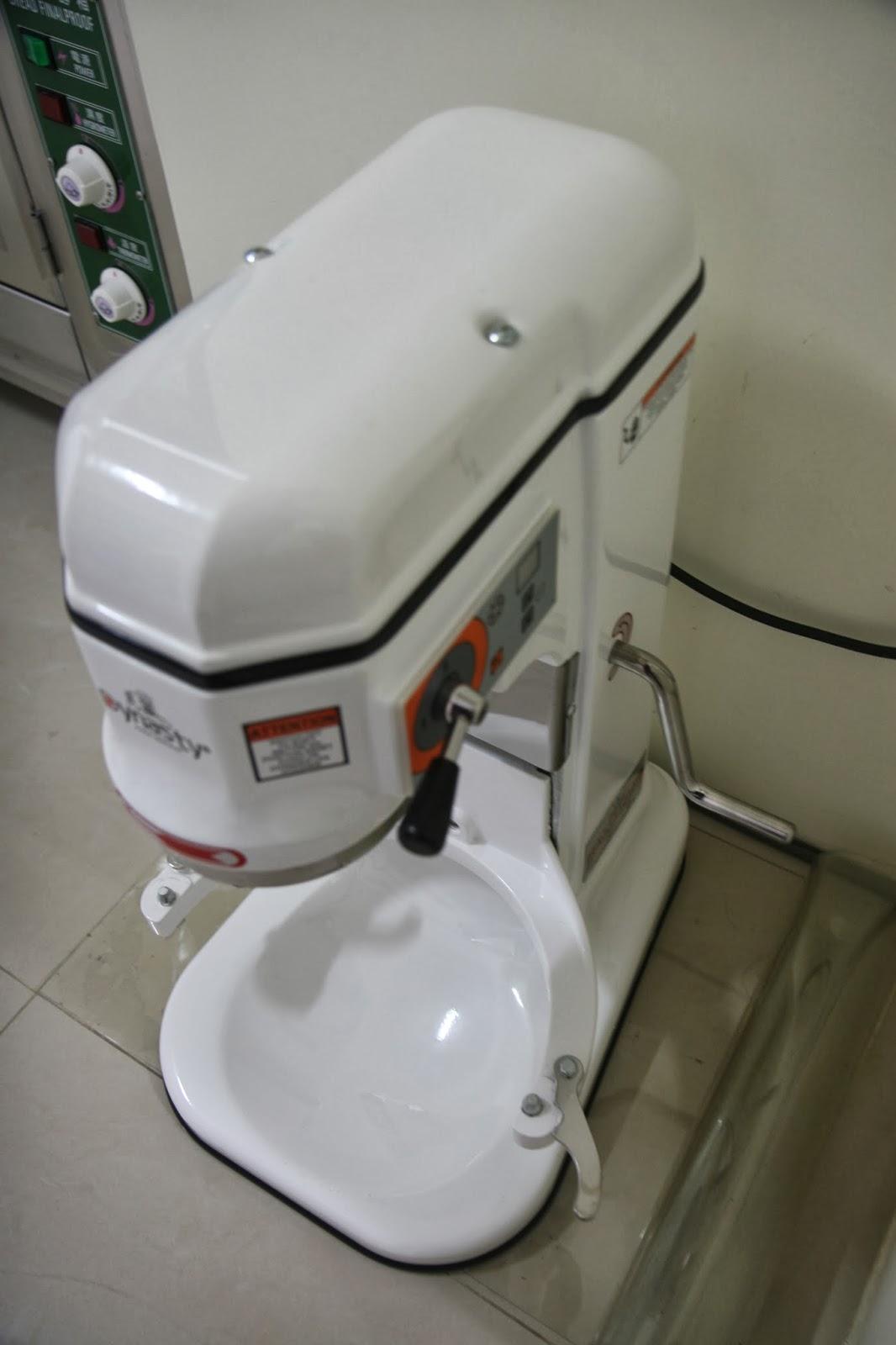 喬姑娘純素手作坊: 已售出...二手小林12公升攪拌機...220W...標準配備+一C勾