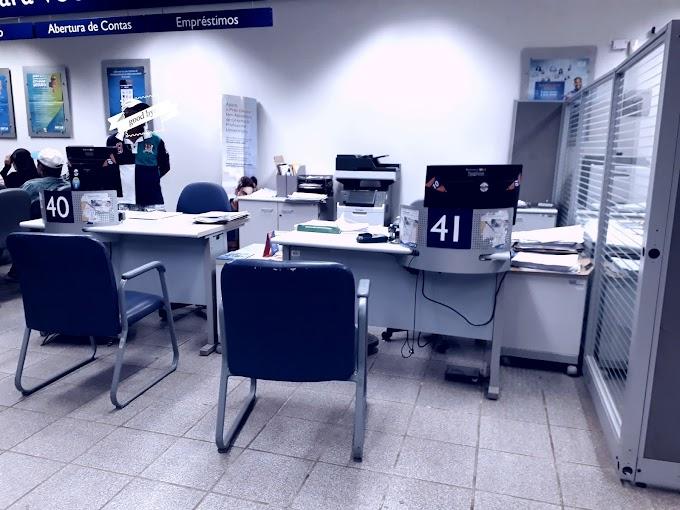 Vergonhoso o atendimento da caixa econômica de João Câmara com os clientes, três guinche sem funcionários.