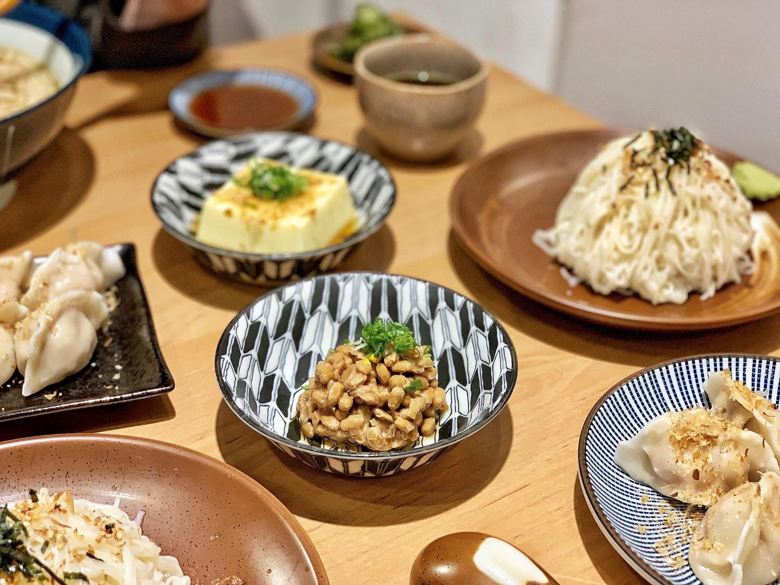 台南美食【胡攪蝦餃 金華店】日式小菜