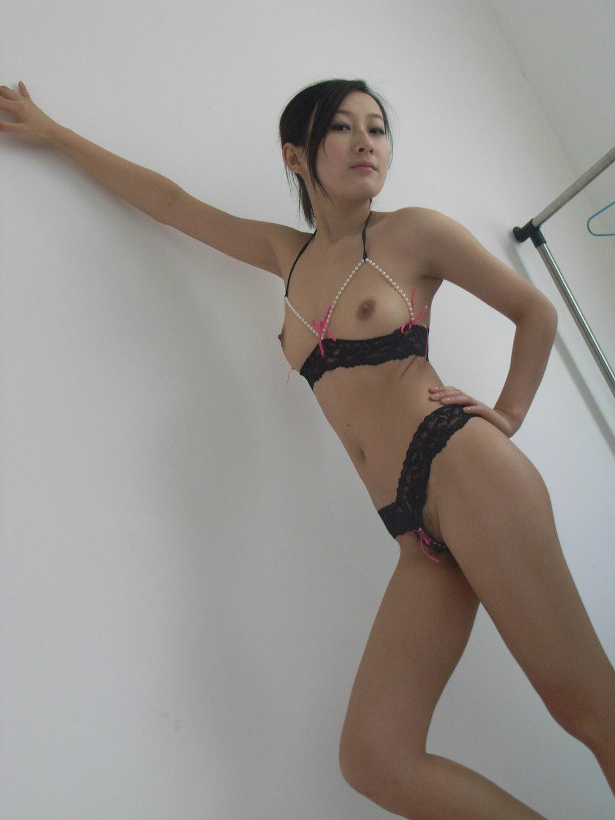 Lovley but dirty korean girl039s rotor masturbation part1 - 1 part 2