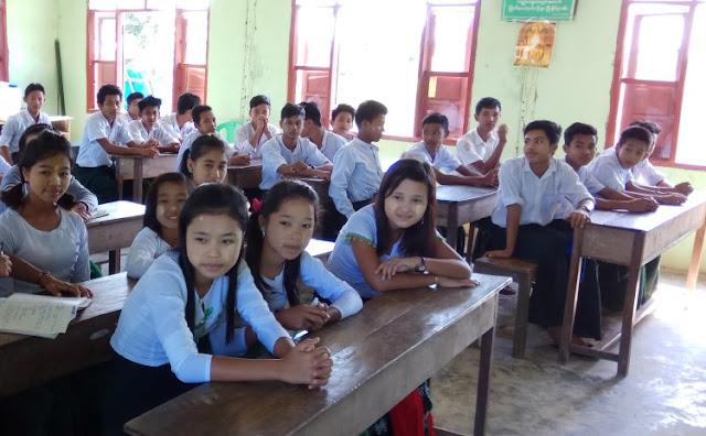 ဝုမ္လ်ံစန္း (Myanmar N ow) ● ပဋိပကၡေဒသ လူငယ္တို႔ ေဆးေက်ာင္းတက္ခြင့္ ဘူးသီးေတာင္အမတ္ ေတာင္းဆို