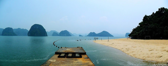 Top 9 most beautiful beaches in Halong Bay 4