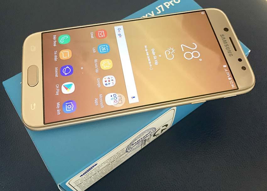 Bạn Có Nên Mua Điện Thoại Samsung Galaxy J7 Pro trên Lazada Không?