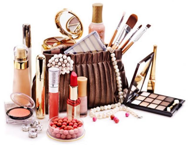 Apa Yang Sebenarnya Terkandung Dalam Kosmetik