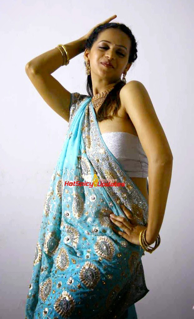 Bhavana old photo shoot for pulimoottil silks ad latest high bhavana old photo shoot for pulimoottil silks ad latest high quality images of actresses and magazine scans hotspicyupdates thecheapjerseys Gallery