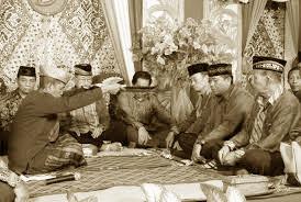 Upacara-adat-dan-Sistem-Kepercayaan-Sulawesi-Tenggara
