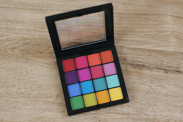 nyx ultimate brights eyeshadow palette
