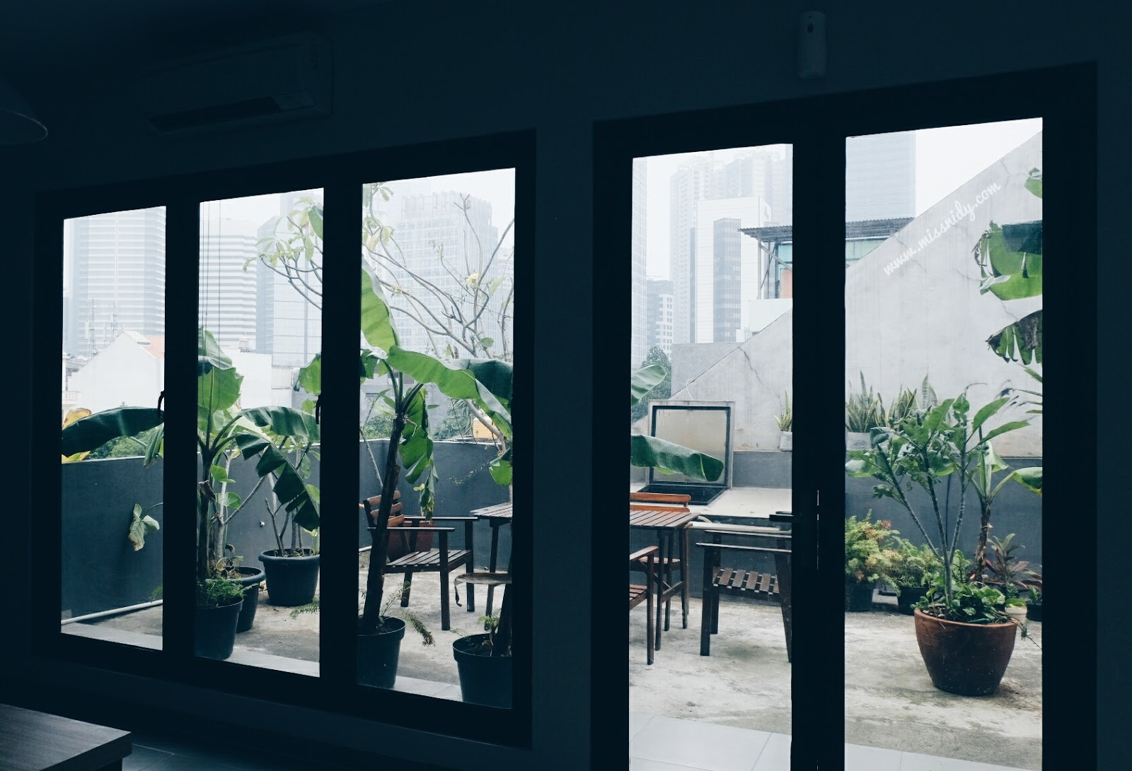 hotel murah dengan rooftop di jakarta
