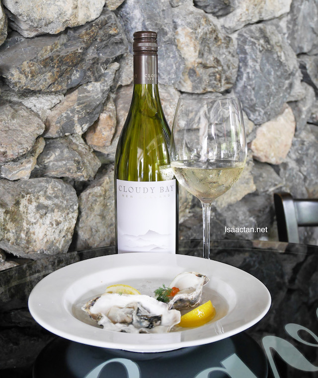 Fresh Cloudy Bay Oyster prepared in two ways, paired with Cloudy Bay Sauvignon Blanc 2016