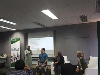 Para master blogger sedang berbagi ilmu. (ki-ka): Isul, Don Suke, Ika Puspita, Nia Nurdiansyah