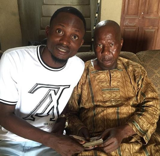 Yoruba actors visit Baba Suwe at home following news of his failing health (Photos)