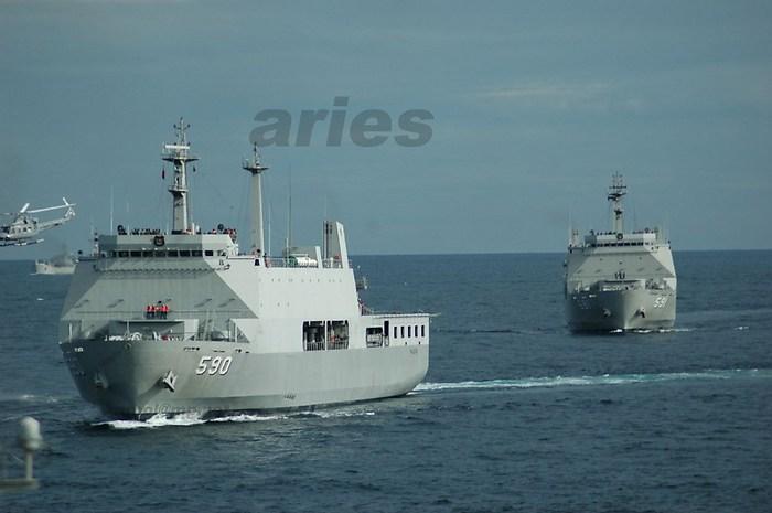 KRI+Makassar+590+KRI+Surabaya+591.jpeg