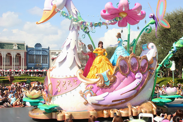 Tokyo Disneyland Princess Float Parade