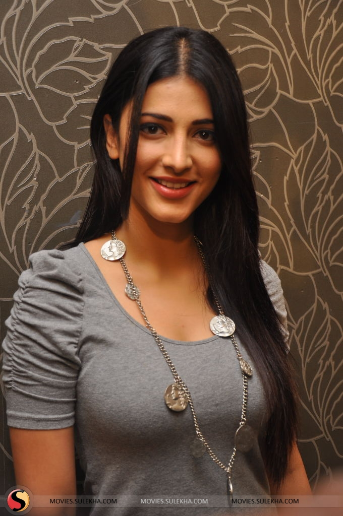 tamil actress shruti hassan hot