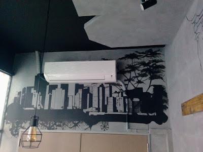 lukis dinding cafe gambar siluet gedung