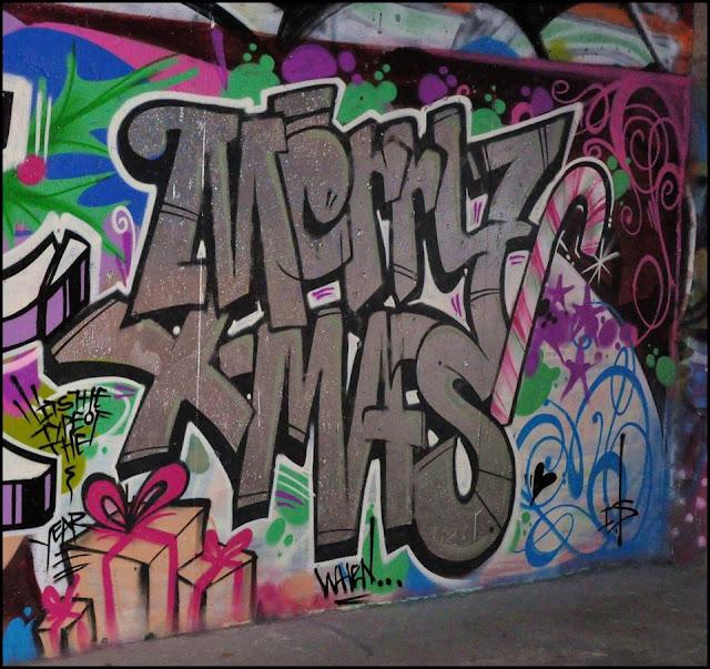 Graffiti Frohe Weihnachten Straßenkunst