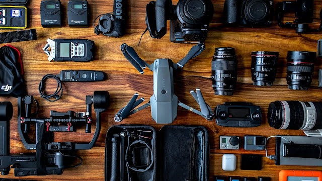 What's in Peter McKinnon´s CAMERA BAG?!