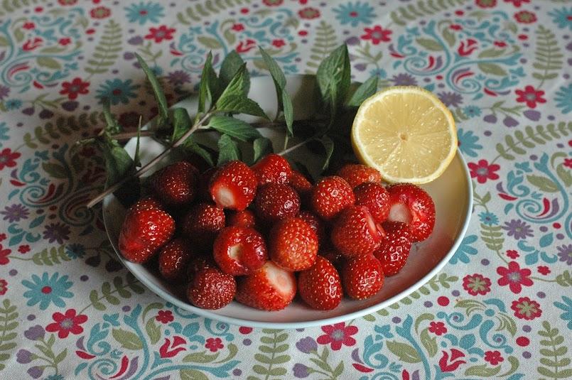 `Kuchenne rewolucje - truskawkowa lemoniada