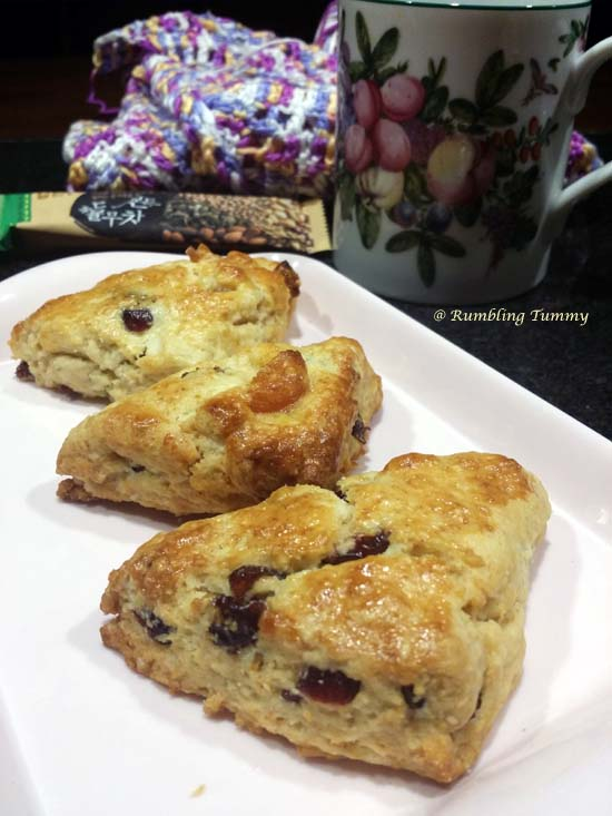 how to make light and fluffy fruit scones