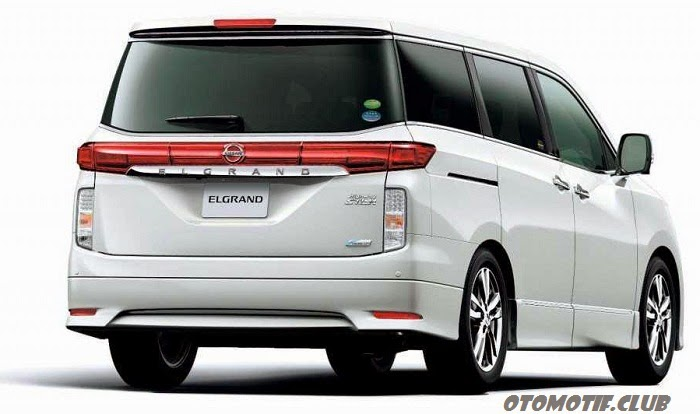 Nissan Elgrand Vers - rear