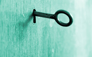 Κλειδί-μέσα-σε-κλειδαρότρυπα.