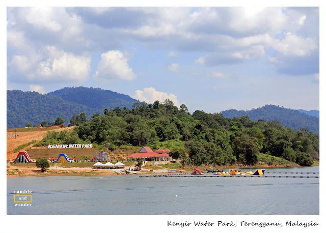 Taman Air Kenyir, Tasik Kenyir/ Lake Kenyir, Terengganu, Malaysia | www.rambleandwander.com