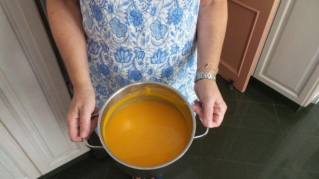 Crema fina de calabaza con toque de curry