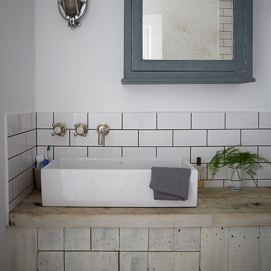 Decordemon industrial style flat in a victorian terrace for Shabby chic bathroom accessories uk