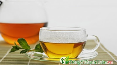 cách trị viêm họng đơn giản bằng nước ấm với mật ong