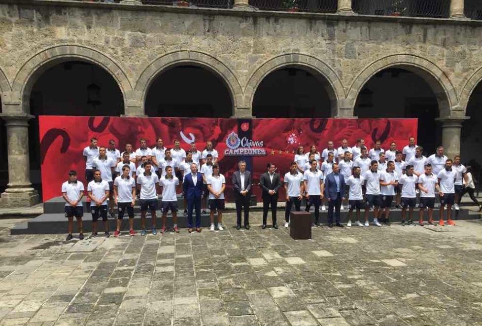 'Jalisco siempre ha sido el número uno del deporte y hoy nuestras gloriosas Chivas lo han demostrado', dice el gobernador.