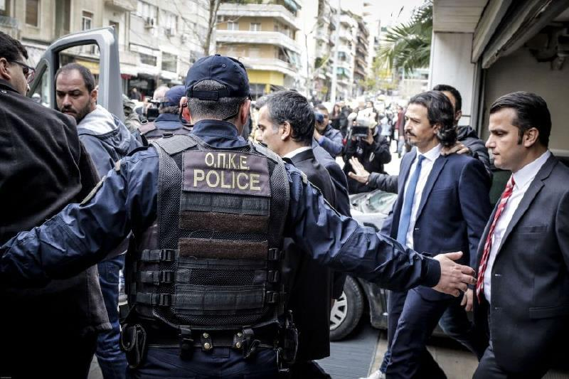 Ελεύθερος με αυστηρούς περιοριστικούς όρους ο ένας από τους οκτώ Τούρκους αξιωματικούς