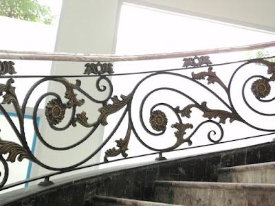 raling tangga besi tempa untuk rumah mewah
