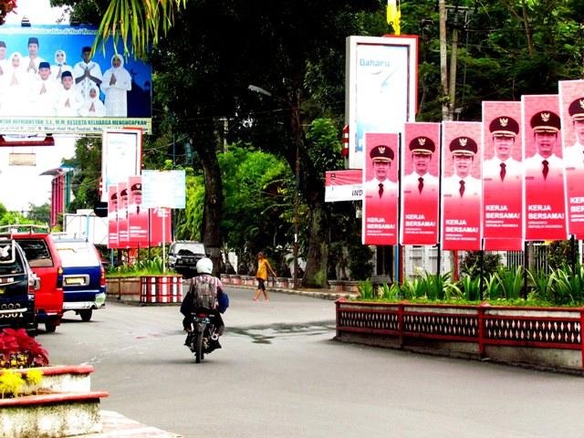 Baliho penyambutan Dirgahayu RI Ke-72, persimpangan Jalan Sudirman-Jalan Merdeka, Pematangsiantar, Rabu 9/8/2017
