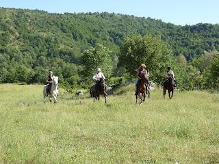 Albania, ratsastusmatka, laukka, riitta reissaa
