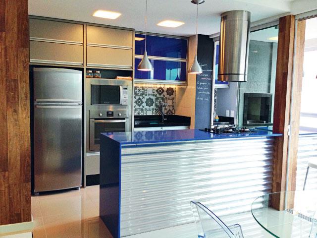 cozinhas-americanas-planejadas-coloridas-modernas-2