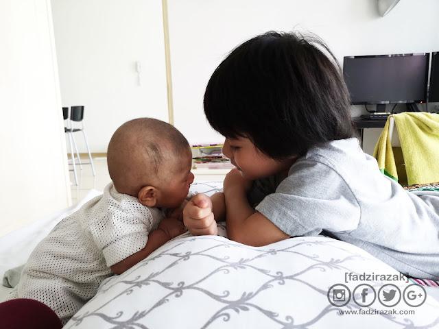 Perkembangan Baby Anas 1 Bulan