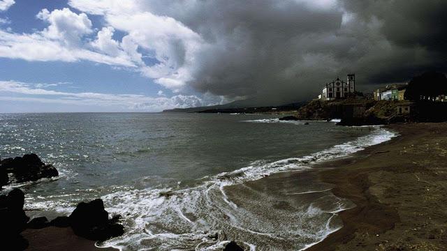 Açores, a força do fogo e da água