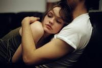 La sutil técnica de manipulación que algunas personas usan para que te enamores de ellas
