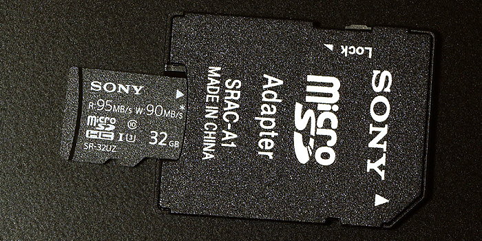 付属品のSD変換アダプタ・SRAC-A1