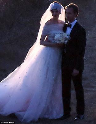 Anne Hathaway's Valentino Gown