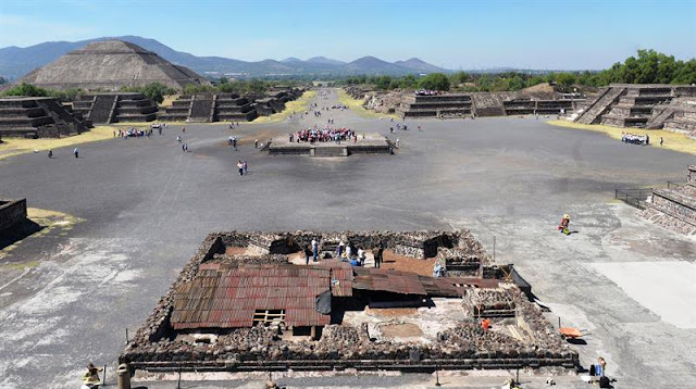 Mexican archaeologists describe new finds at Teotihuacan site