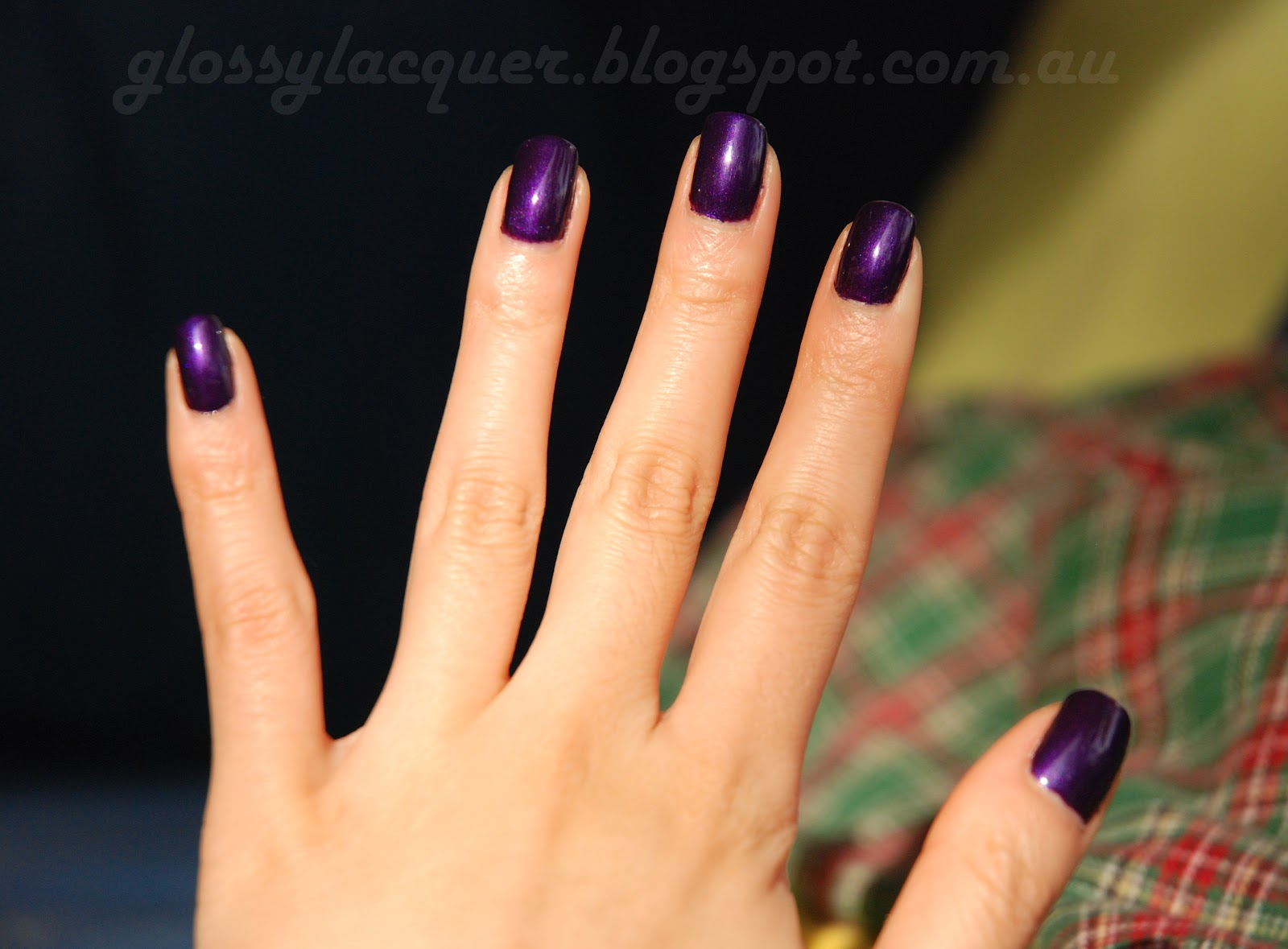 Glossy Lacquer Essie Sexy Divide Swatch And Review
