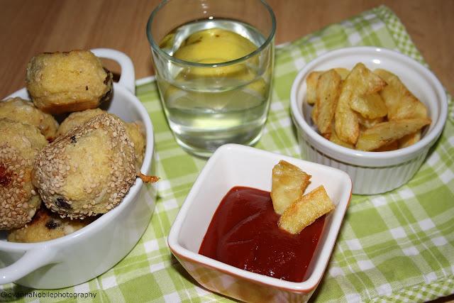 Polpettine di pane e patate al forno....una serata fast food!
