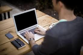 https://www.google.co.id/imgres?imgurl=https%3A%2F%2Fcdn.pixabay.com%2Fphoto%2F2014%2F05%2F02%2F21%2F50%2Fblogging-336376_960_720.jpg&imgrefurl=https%3A%2F%2Fpixabay.com%2Fid%2Fblogging-blogger-kantor-bisnis-336376%2F&docid=kB2Prcyu-DcqKM&tbnid=ZTDpHx--w9lRSM%3A&vet=10ahUKEwiAl8Wl6a7VAhVGHJQKHWA4BYsQMwgoKAMwAw..i&w=960&h=640&hl=id&bih=1530&biw=980&q=Blogger%20sukses&ved=0ahUKEwiAl8Wl6a7VAhVGHJQKHWA4BYsQMwgoKAMwAw&iact=mrc&uact=8