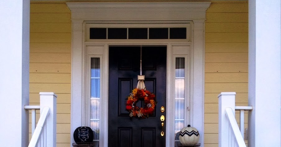 Maryland Pink And Green Halloween Door And Decor