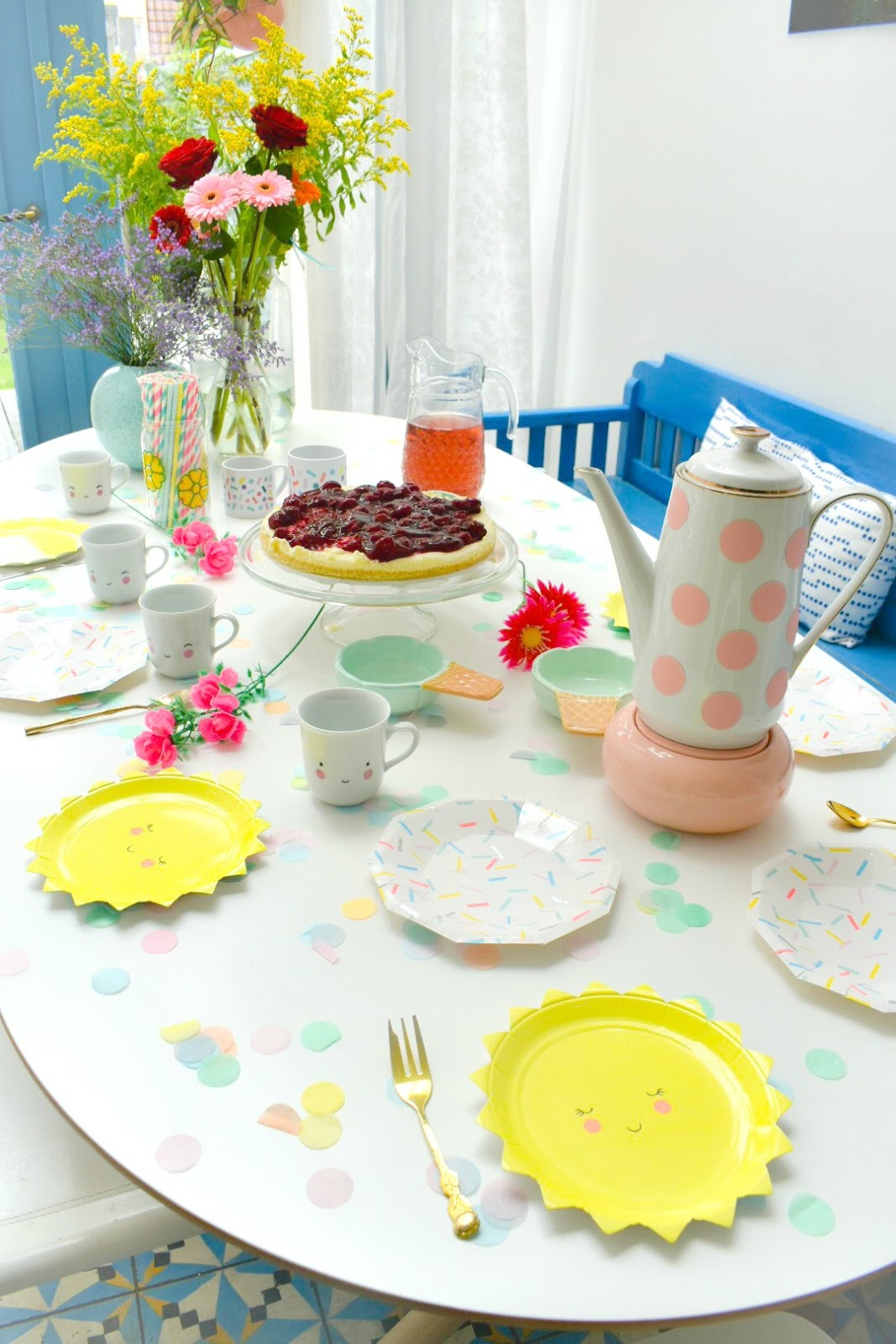 Confetti balloons blog feestelijke tafel - Feestelijke tafels ...