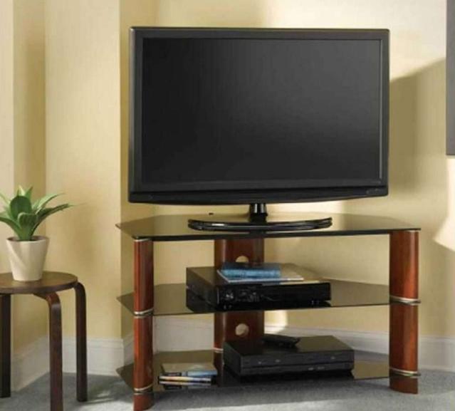 desain lemari tv lcd terbaru