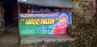 Mbok Yem, Penjual di Atas Awan